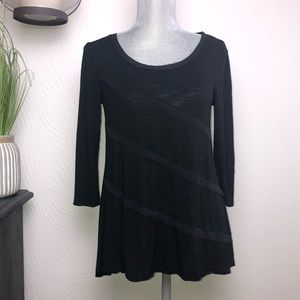 Cable & Gauge Black Long Sleeve Tunic Top